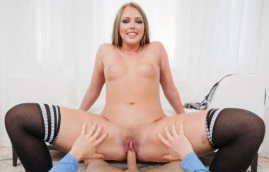 Ashley Red – Blonde Teen Ashley Red wird hart in Pov (Spizoo) gefickt